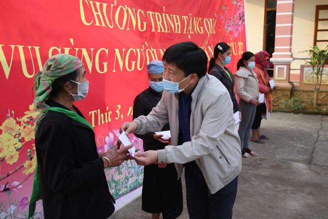 Mang Tết vui đến với đồng bào nghèo ở Lai Châu ảnh 12
