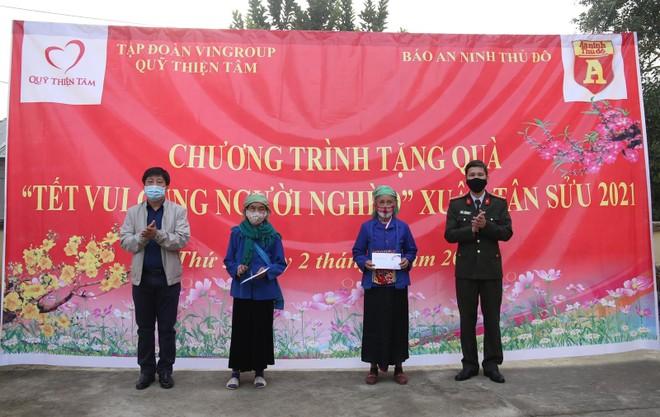 Mang Tết vui đến với đồng bào nghèo ở Lai Châu ảnh 2