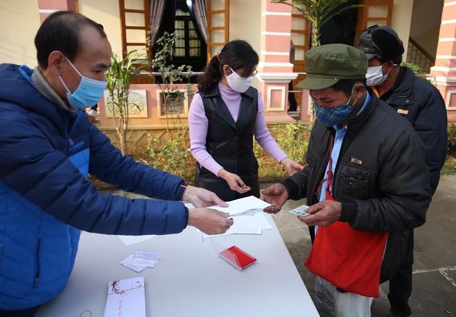 Mang Tết vui đến với đồng bào nghèo ở Lai Châu ảnh 13