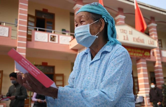 Mang Tết vui đến với đồng bào nghèo ở Lai Châu ảnh 5