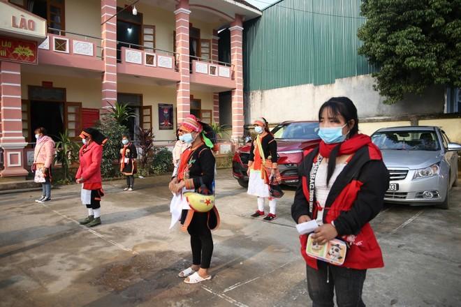 Mang Tết vui đến với đồng bào nghèo ở Lai Châu ảnh 10