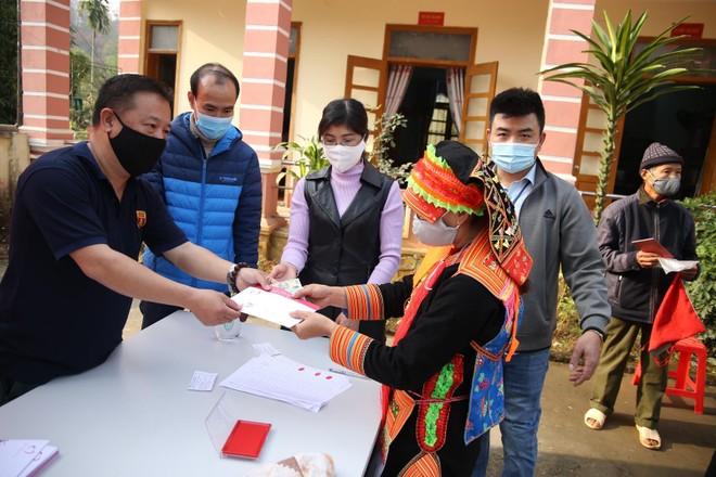Mang Tết vui đến với đồng bào nghèo ở Lai Châu ảnh 14