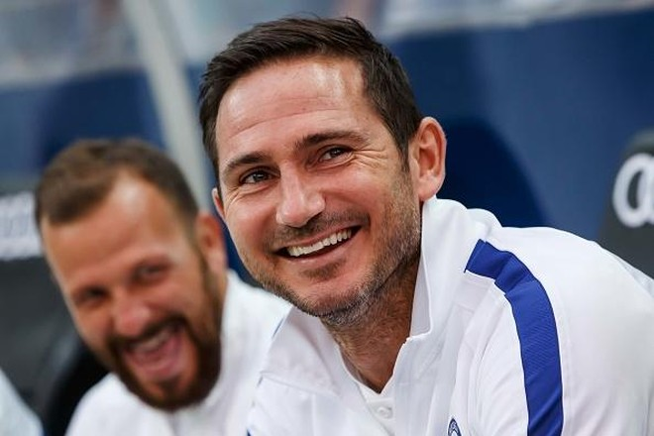 Lampard vẫn nhận lương đều đặn từ Chelsea dù bị sa thải ảnh 1