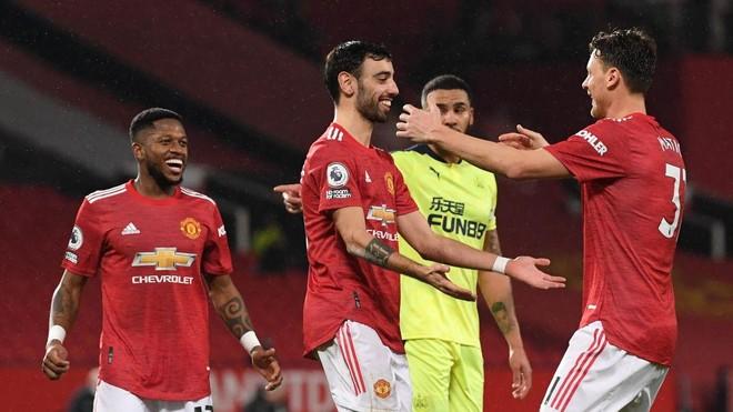 Vòng 25 Premier League: Thành Manchester tiếp tục thống trị BXH ảnh 2
