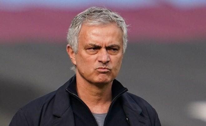 Jose Mourinho có tỉ lệ cược bị sa thải cao nhất Ngoại hạng Anh ảnh 1