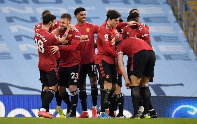 M.U xuất sắc chặn đứng mạch 21 trận thắng của Man City ảnh 2