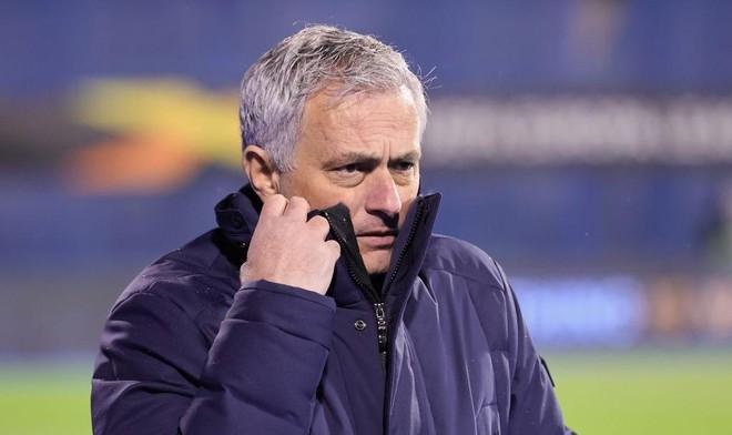 Tottenham dừng bước trong cay đắng, HLV Mourinho bị kêu gọi sa thải ảnh 1