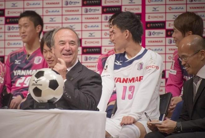 HLV Cerezo Osaka cảnh báo về những thách thức cho Đặng Văn Lâm ảnh 1
