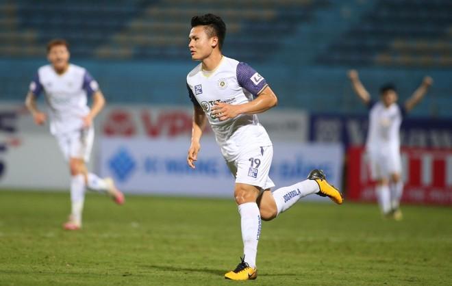 """Hà Nội FC bất ngờ thắng dễ """"hiện tượng"""" Than Quảng Ninh ảnh 1"""