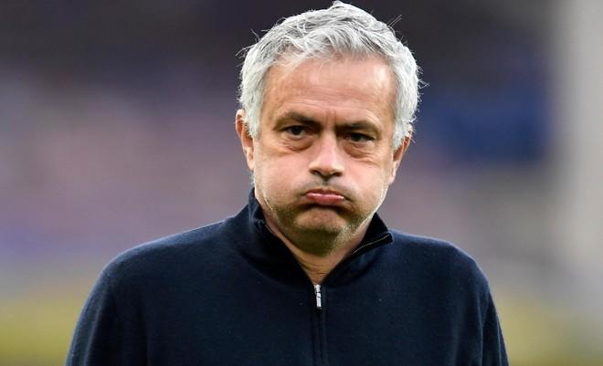 Vì sao HLV Mourinho bị Tottenham sa thải? ảnh 1