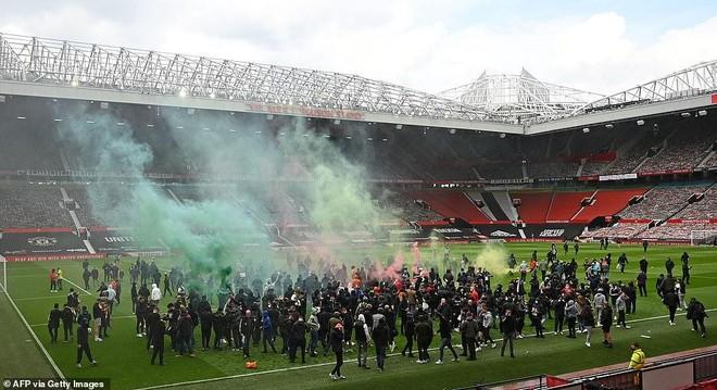 Chính thức hoãn trận đấu tâm điểm M.U - Liverpool ảnh 1