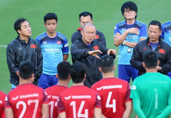 HLV Park công bố danh sách ĐT Việt Nam dự vòng loại World Cup 2022 ảnh 1