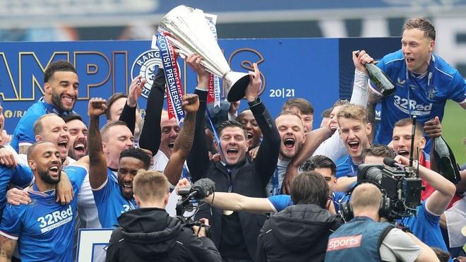 CLB của Steven Gerrard vô địch mà không thua trận nào trong cả mùa ảnh 1