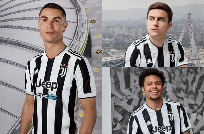 Giữa tin đồn ra đi, Ronaldo quảng cáo áo đấu Juventus mới ảnh 1