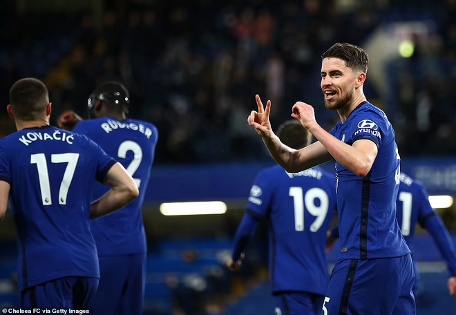 Thắng nghẹt thở Leicester, Chelsea lên top 3 ảnh 3