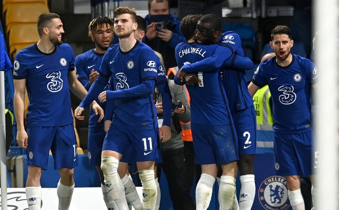 Thắng nghẹt thở Leicester, Chelsea lên top 3 ảnh 4