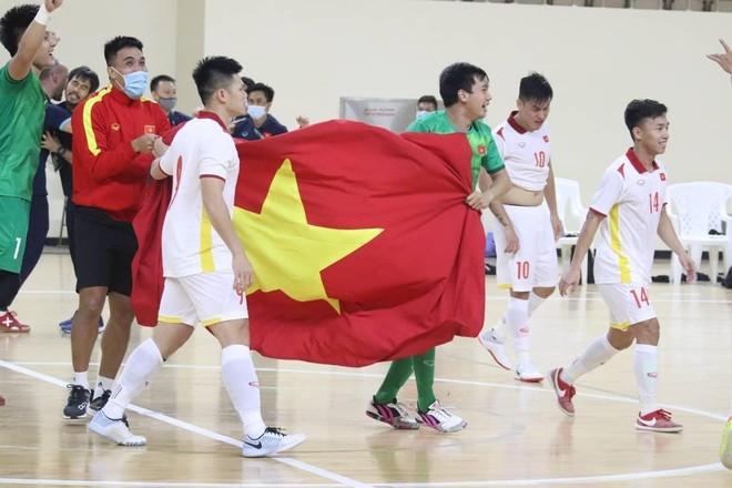 Lập kỳ tích dự World Cup, tuyển futsal Việt Nam được thưởng tiền tỷ ảnh 2
