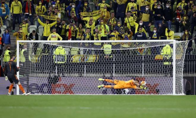 De Gea khiến M.U thua 10-11 ở chung kết Europa League ảnh 5