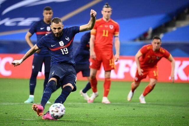 Benzema mất điểm trong ngày trở lại tuyển Pháp ảnh 1