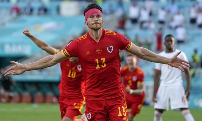 Bale mờ nhạt, Xứ Wales may mắn cầm hòa Thụy Sĩ ảnh 4