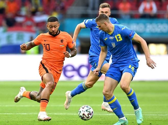 Nổi 'lốc' ở Amsterdam, Hà Lan cùng Ukraine lập kỷ lục EURO ảnh 1