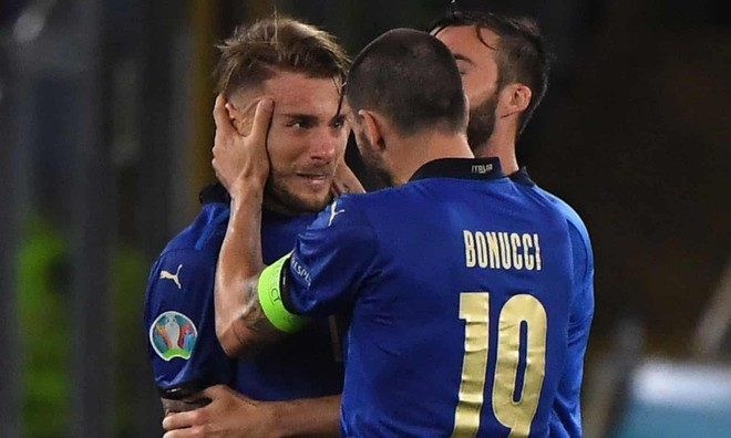 Đè bẹp Thụy Sĩ, tuyển Italia sớm đoạt vé vào vòng 1/8 ảnh 2