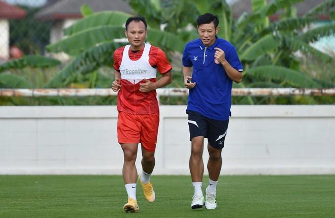 Viettel FC mất 2 cầu thủ quan trọng khi gặp ĐKVĐ Ulsan Hyundai ảnh 1