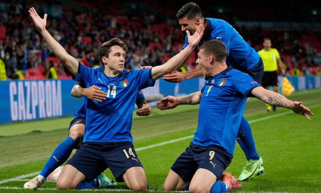 Nghẹt thở thắng ở hiệp phụ, Italia hú vía đoạt vé tứ kết ảnh 5
