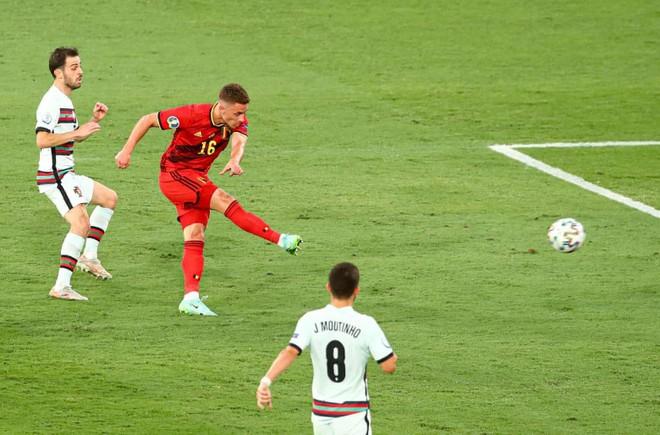 Ronaldo im tiếng, Bồ Đào Nha chính thức trở thành 'cựu vương' ảnh 2