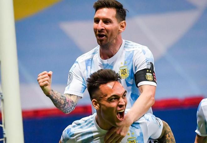 Messi cùng Argentina vào chung kết 'thượng đỉnh' với Brazil ảnh 1