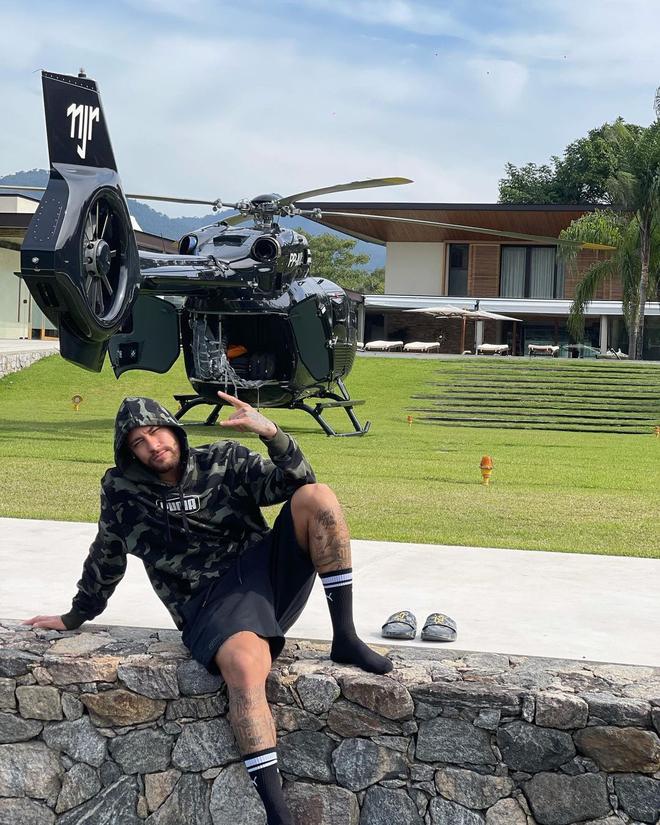 Ngỡ ngàng lý do Neymar tậu trực thăng 300 tỷ ảnh 1
