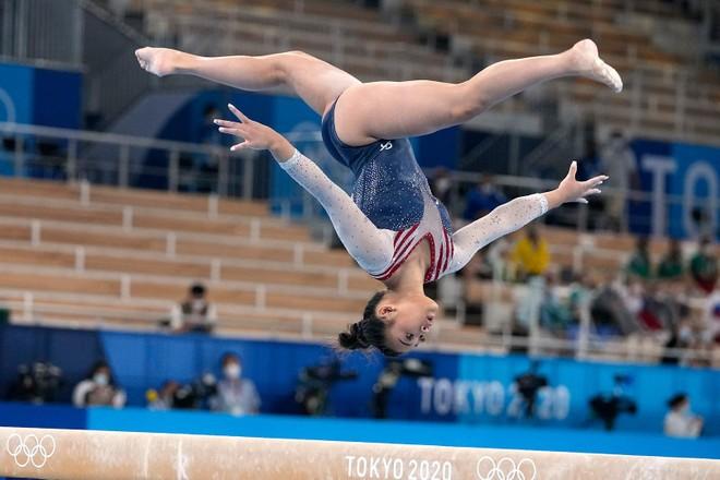 Kỳ tích cô gái dân tộc H'Mông giành HCV Olympic ảnh 1
