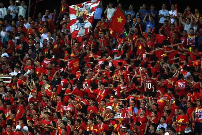 CĐV không được vào sân Mỹ Đình xem trận Việt Nam gặp Australia ảnh 1