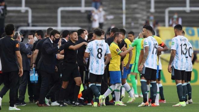 Messi phẫn nộ vì cách hành xử nghiệp dư của Brazil ảnh 1