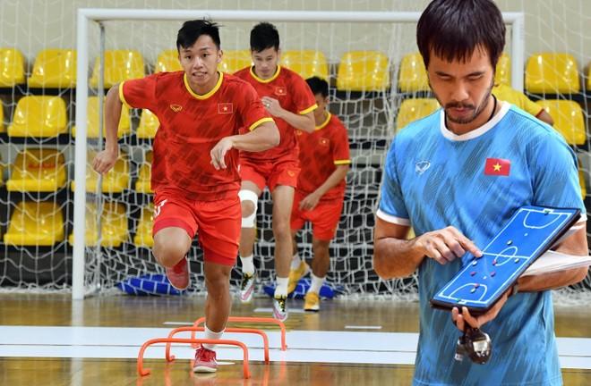 Tuyển futsal Việt Nam tập nặng để đấu 'hàng khủng' Brazil ảnh 1