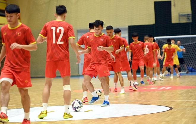 Tuyển futsal Việt Nam gỡ nút thắt tâm lý, tự tin đấu Brazil ảnh 1
