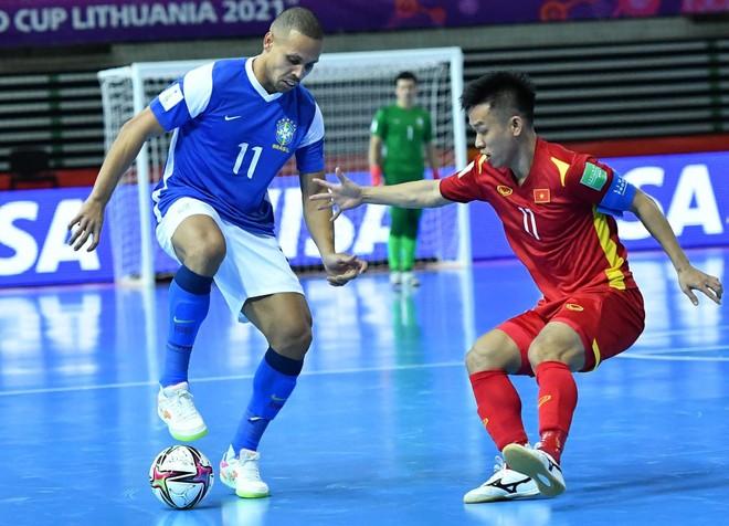 Cầu thủ futsal Việt Nam nói gì khi thua Brazil 1-9? ảnh 1