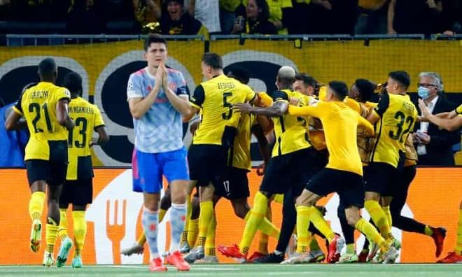 Ronaldo ghi bàn vẫn không gánh nổi M.U ảnh 2