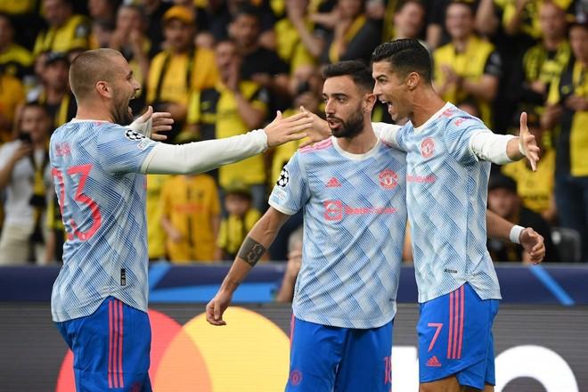 Ronaldo ghi bàn vẫn không gánh nổi M.U ảnh 1
