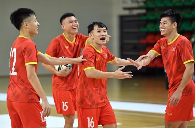 Futsal Việt Nam xốc lại tinh thần, chơi 'tất tay' với Panama ảnh 1