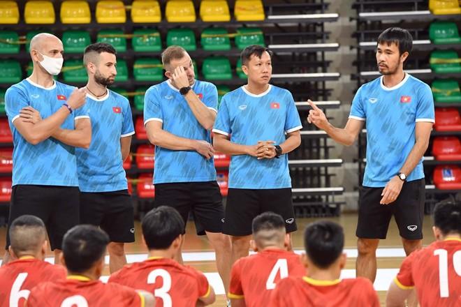 Futsal Việt Nam xốc lại tinh thần, chơi 'tất tay' với Panama ảnh 2