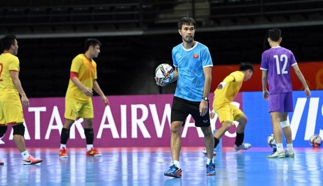 Futsal Việt Nam dốc sức vì quyền tự quyết tấm vé đi tiếp ảnh 1