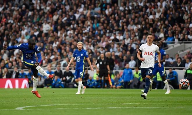 Hàng thủ thăng hoa, Chelsea vùi dập Tottenham để lên ngôi đầu ảnh 2