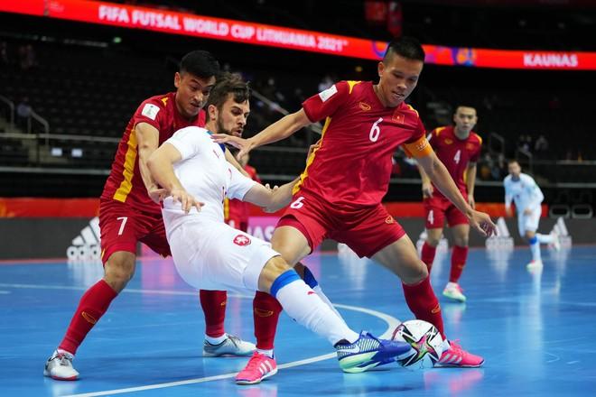 FIFA tấm tắc khen futsal Việt Nam với kỳ tích World Cup ảnh 1