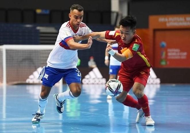 Chơi kiên cường và thua Nga sát nút, futsal Việt Nam ngẩng cao đầu rời World Cup ảnh 1