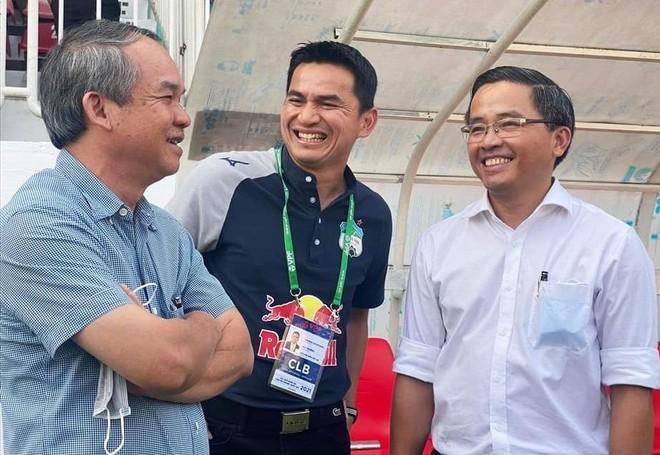 HLV Kiatisak từ chối tuyển Thái Lan, cam kết tương lai ở HAGL ảnh 1