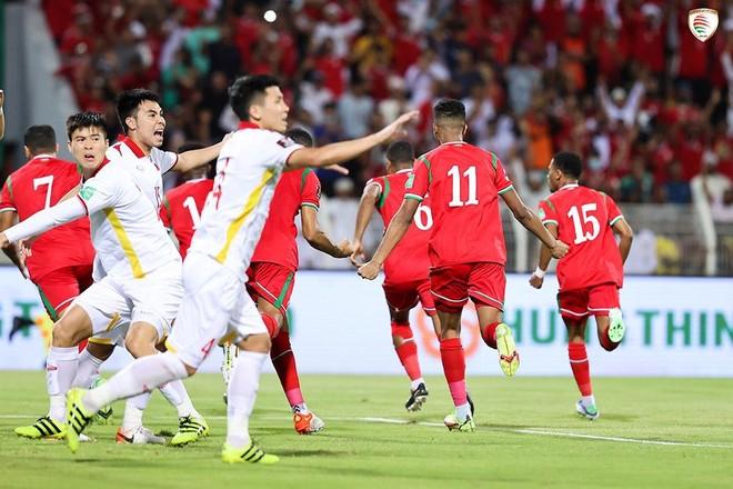 Dẫn bàn trước Oman, tuyển Việt Nam thua ngược vì sai lầm hàng thủ ảnh 2