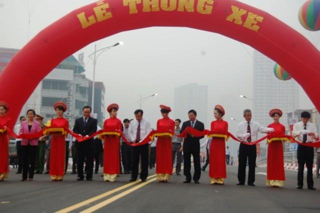 Thông xe cầu vượt đường Nguyễn Chí Thanh- Kim Mã ảnh 1