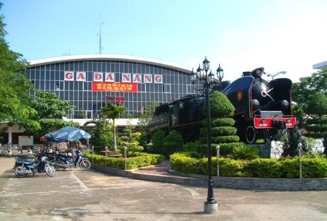 Kiến nghị mở 2 chuyến tàu đưa 10.000 người ở Đà Nẵng về Hà Nội và TP.HCM ảnh 1