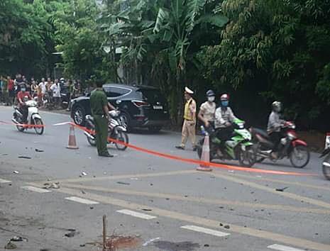 Ô tô con đâm xe máy làm ba phụ nữ tử vong rồi bỏ chạy ảnh 1